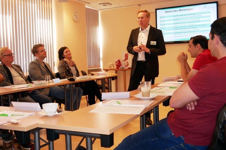 In den Workshops zu Praxis-Entwicklung und Praxis-Marketing können die Teilnehmer gezielt eigene Fragen und Konzepte einbringen.